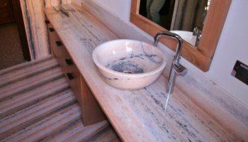 Come realizzare top per il lavabo da bagno | CasaNoi Blog