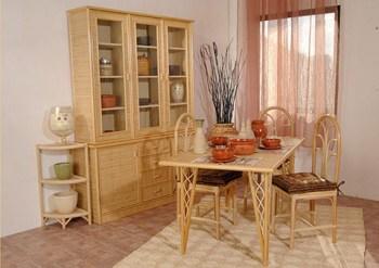 arredare con fibre naturali: vimini, rattan, midollino Credenza, tavolo e sedie, angoliera in Vimini