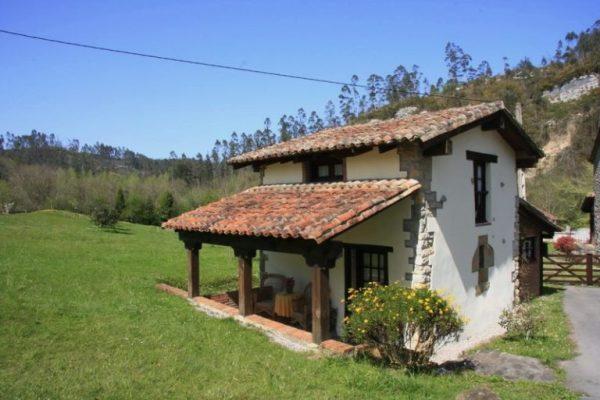 plusvalenza immobiliare e sua tassazione: foto casa in campagna proveniente da donazione