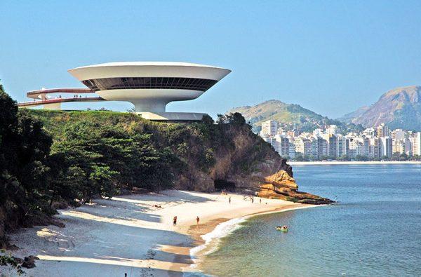 Rio de Janiero capitale architettura 2020 Museo Niteroi