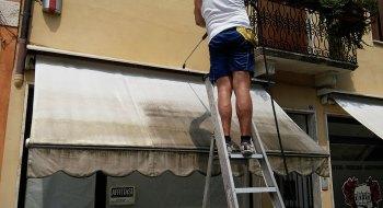 Come pulire le tende da sole FOTO: Lavaggio tende (King manutenzione superfici)