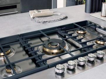 manutenzione e pulizia cucina gas