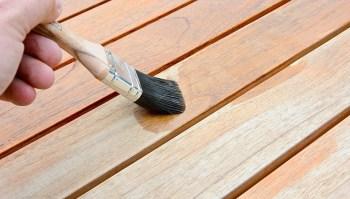 come proteggere i mobiliin legno con il flatting
