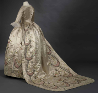 18th century court costume and Marie-Antoinette ...
