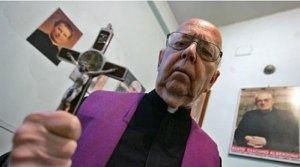 Le père Gabriele Amorth est l'exorciste en chef du Vatican.