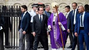 Le président François Hollande et André Vingt-Trois à l'issue de la synaxe en hommage au père Jacques Hamel à Notre-Dame à Paris