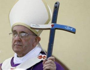 La croix de Bergoglio sans Christ