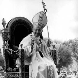 Jean-Paul I avec le Bâton pastoral de Scorzelli