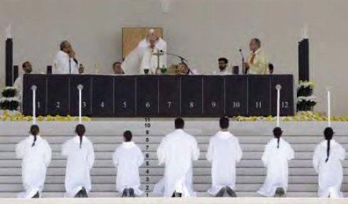Cénotaphe à 12 places, pour les 12 infortunés compagnons d'un certain Jésus...