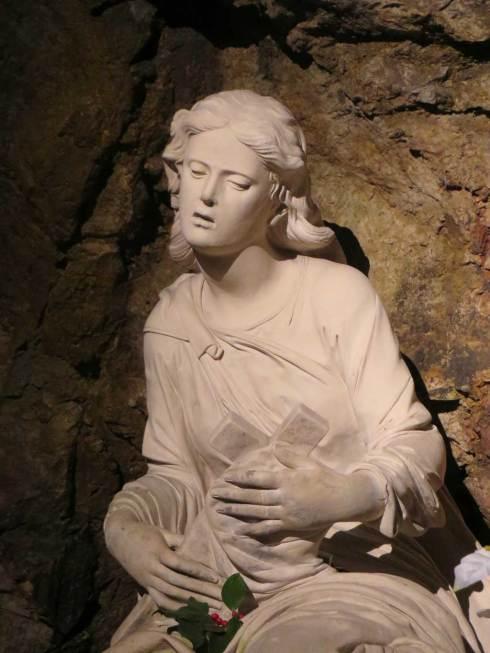 Buste de Sainte Marie Madeleine dans la Grotte de Sainte Baume