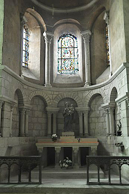 Chapelle absidiale dédiée à la Vierge