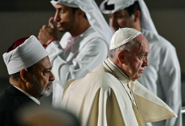 L'antipape Francis (à droite) et le grand imam égyptien Azhar, Ahmed al-Tayeb