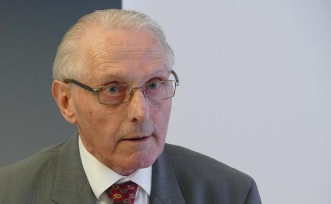 Dr. Gerard van den Aardweg