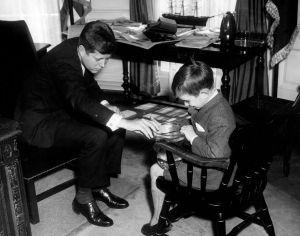 Robert Kennedy Jr. enfant avec son oncle le président John Fitzgerald Kennedy