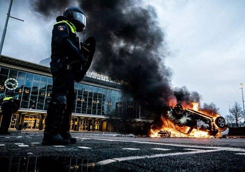 Manifestations contre les restrictions aux Pays-Bas