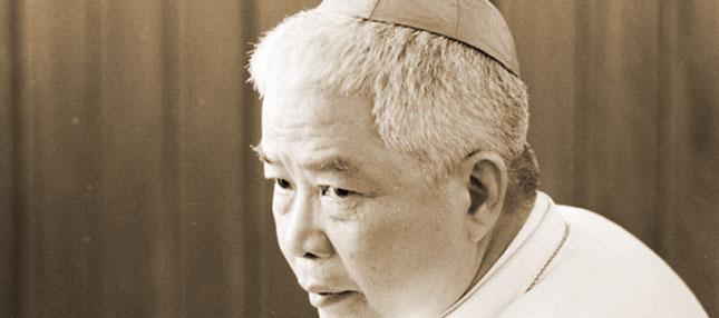 La Légitimité des Sacres Épiscopaux<br/>sans mandat pendant la vacance du siège apostolique