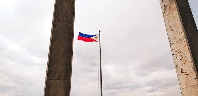 フィリピン国旗に【セブ島フリーメイソン】セブ島にあるグランドロッジと入会方法隠された意味とは!?【状況によって国旗が変わる】