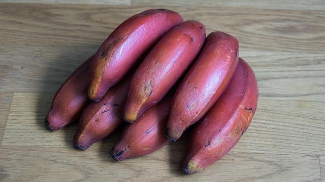 フィリピンで見かける赤いバナナの正体は!?【モラードバナナ】