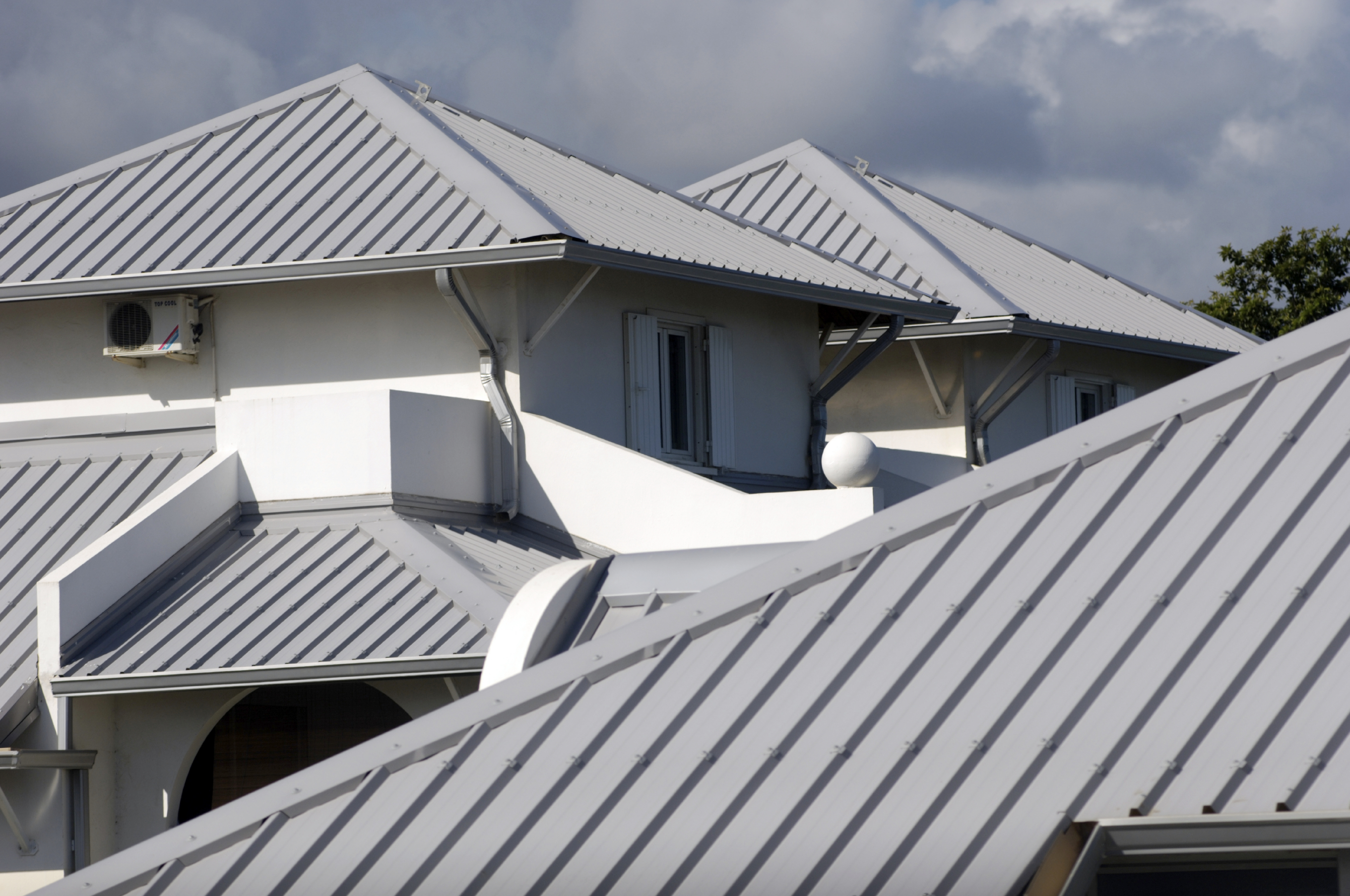 Cool Metal Roofs are a Hot Option for Homes | Central Insurance Companies