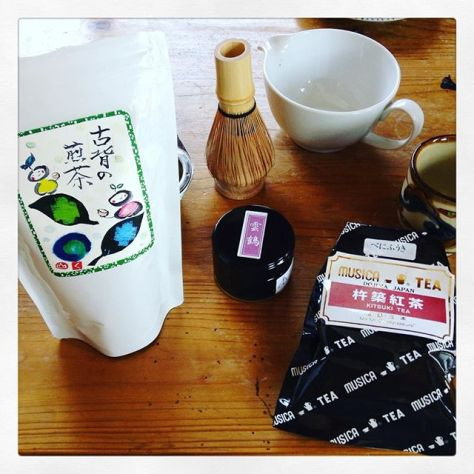 煎茶、抹茶、紅茶、みんな日本茶。地元のお茶の勉強会にて。 #煎茶 #抹茶 #紅茶 #お茶の時間 (Instagram)