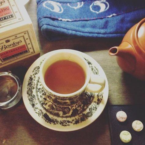 ちょっとクリアになったかな。和室でも、ゆったり紅茶飲みたいよね。 #darjeeling #bewleys #teatime #干菓子 (Instagram)