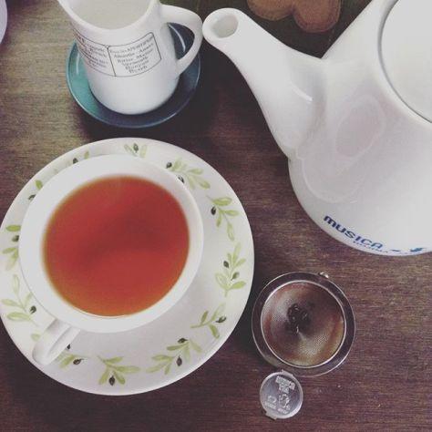 ええ天気ですね。ゆったりした時間。 #teatime #お茶の時間 #アッサム #ブレンド #紅茶 (Instagram)