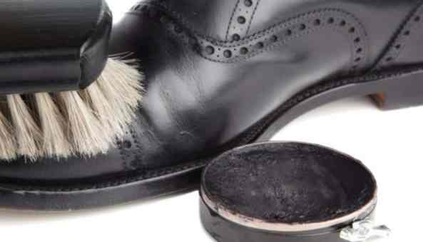 Chaussuresonline-cirage-entretien-chaussures-cuir-nubuck-brosse-idée