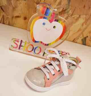Chaussuresonline-blogchaussures-boubabizipgirl-tendance-modeenfant-chaussuresenfant-bébéfille-rose-lacet-shoopom-pom'cannelle-amour-beauté-confort