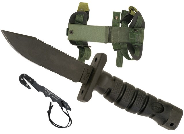 Image shows a fixed blade survival knife
