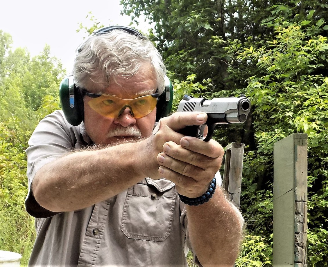 Bob Campbell shooting the Ruger SR1911 Commander