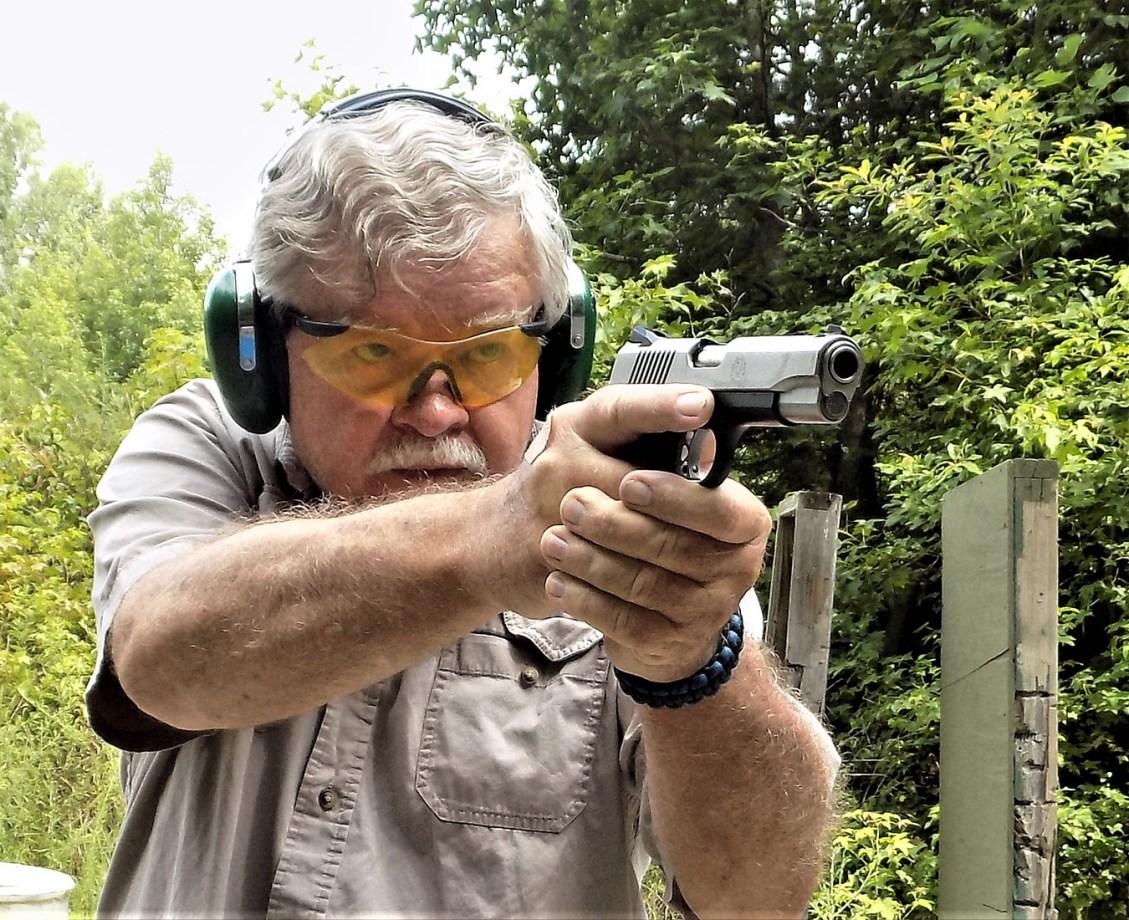 Bob Campbell shooting the Ruger SR1911 Commander