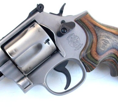 Smith and Wesson Model 69 Combat Magnum with Hogue wood grips