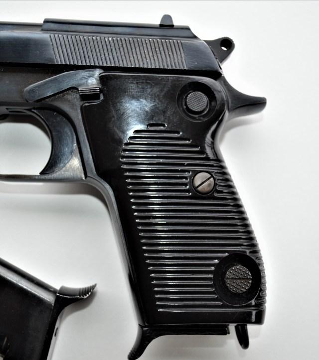 951 9mm handgun design