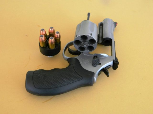 S&W 69 with .44 Mag Speedloader