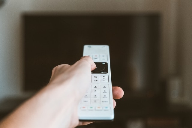 clicking tv remote, best survival shows