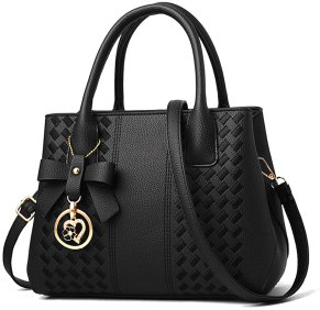 How to Choose a Perfect Gift For Your Fun-loving Girlfriend-handbags