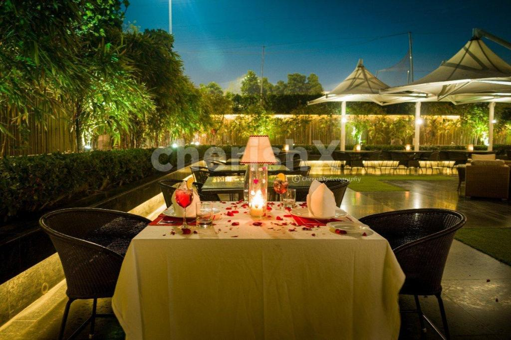 How to Celebrate Rose Day Without Roses in 2021- Candlelight Dinner