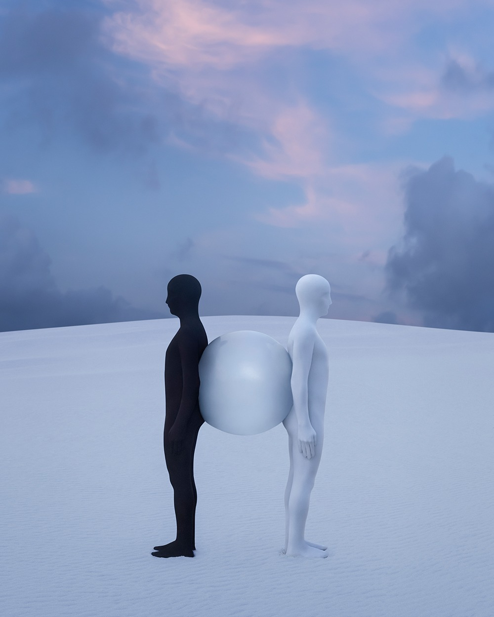 Gabriel Isak photo: Two people and a ball in white desert