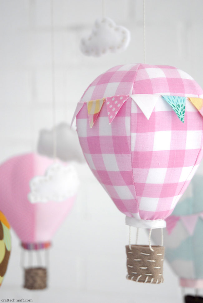 One Pretty Pin Hot Air Balloon Mobile Chickabug