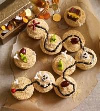 Pirate treasure map cupcakes   Chickabug