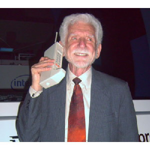 "The ""FIRST"" Mobile Phone In The World"