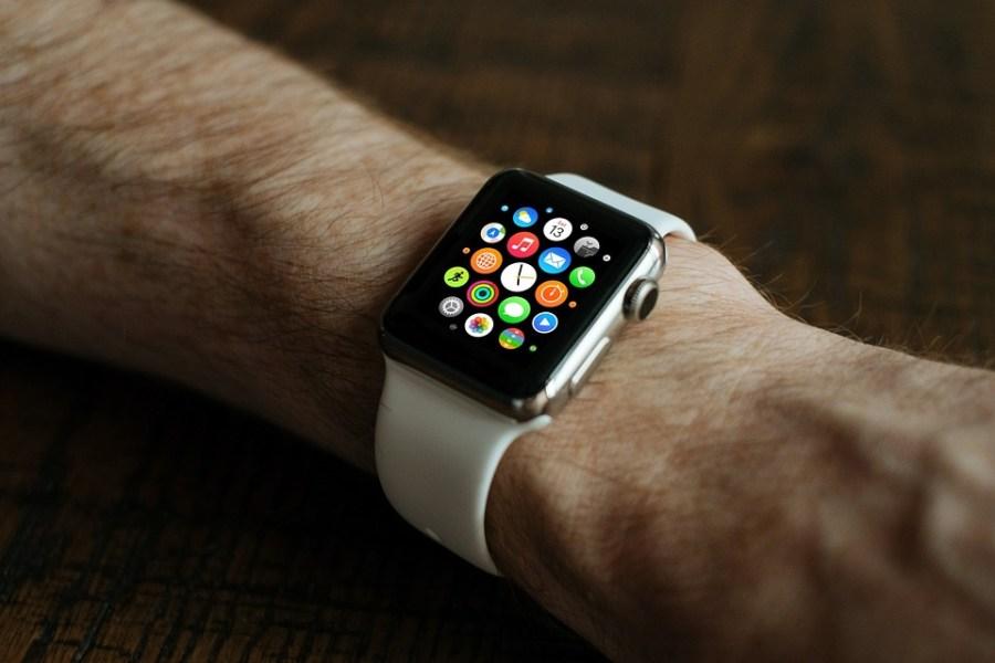 Source: https://pixabay.com/en/smart-watch-apple-technology-style-821559/
