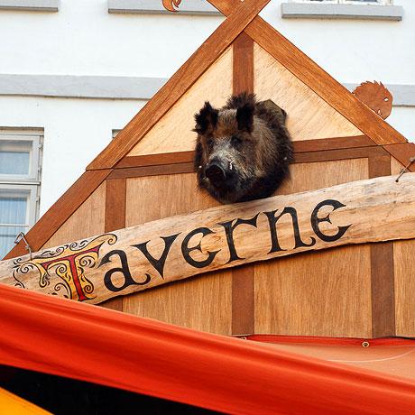 Die Taverne - immer ein guter Treffpunkt… ;)