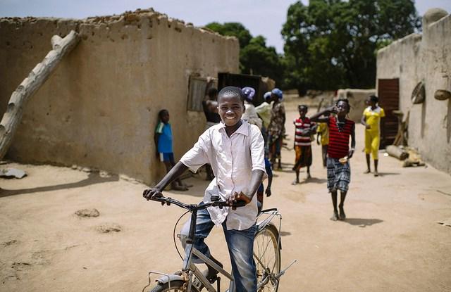 Habitantes de una aldea en Burkina Faso. Foto: CIFOR.