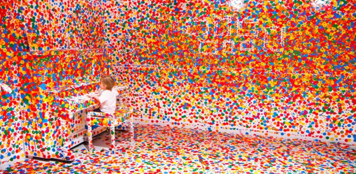 Look what Happens When Yayoi Kusama Give Stickers to Thousands Kids
