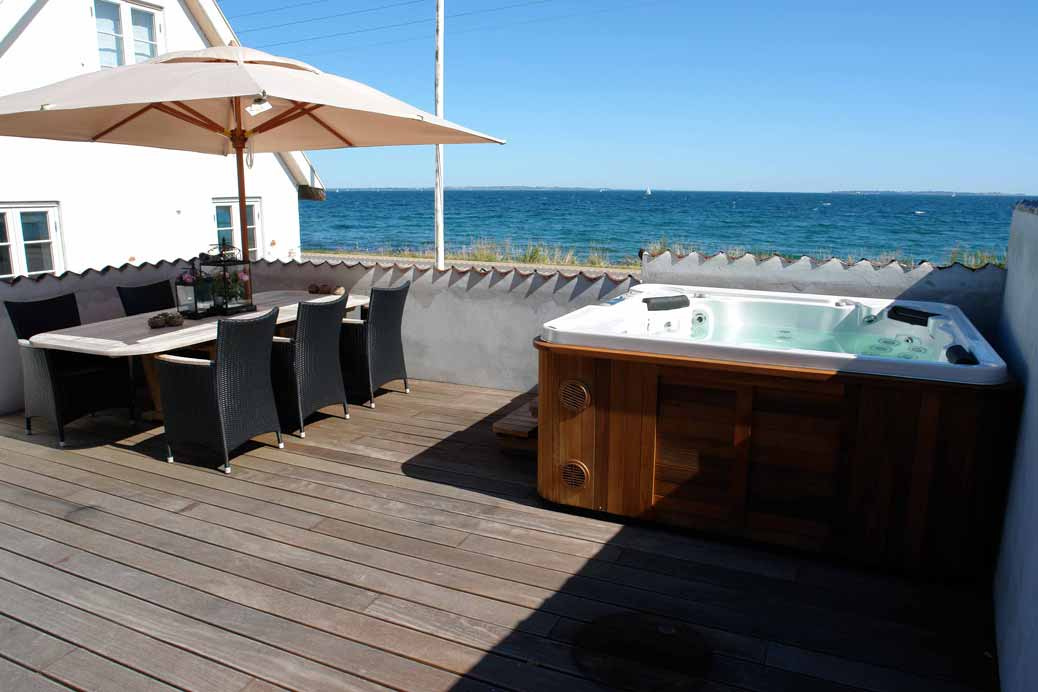 spa sur toit terrasse clair azur blog clair azur. Black Bedroom Furniture Sets. Home Design Ideas