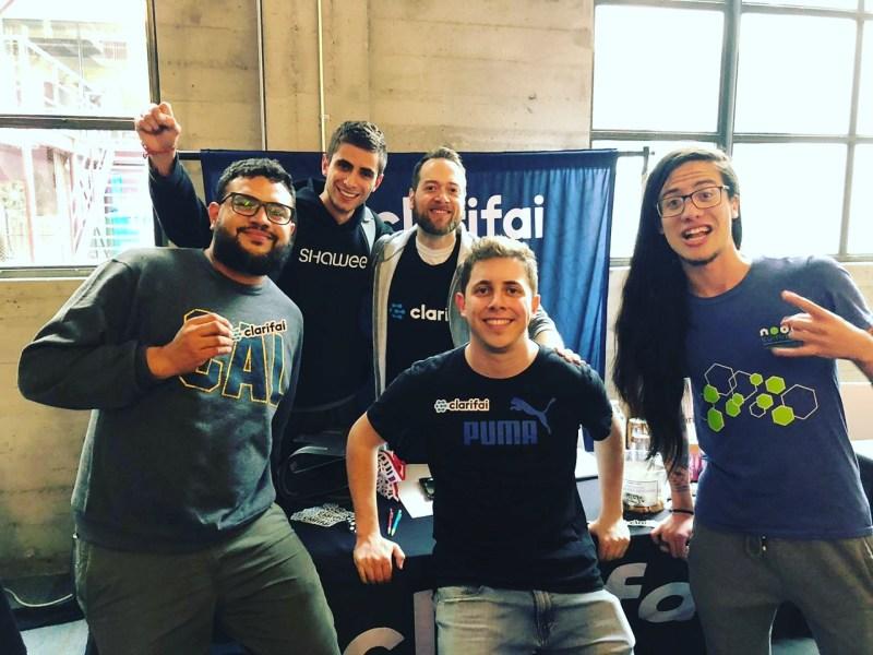 Team Genie e Skip na Hacker do DeveloperWeek SF
