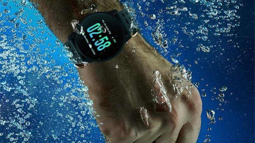 Smartwatch y chapuzones: modelos resistentes al agua