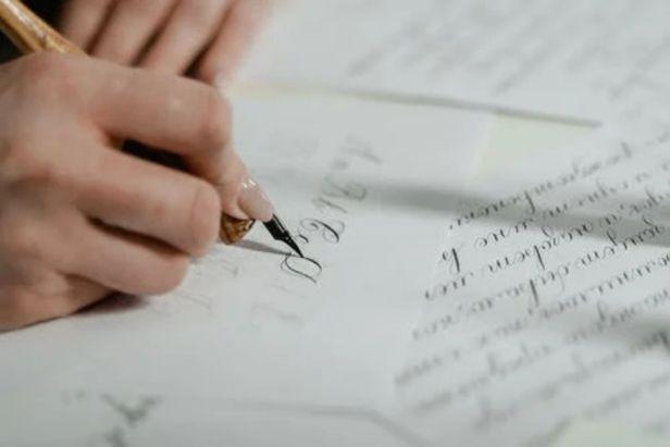 pracitcando caligrafía - Claro Shop