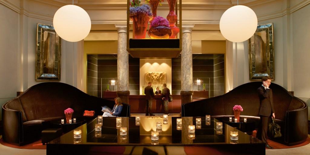 Hotel-de-Rome-Lobby-2515
